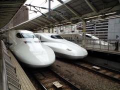これから名古屋出張です。隣はN700系
